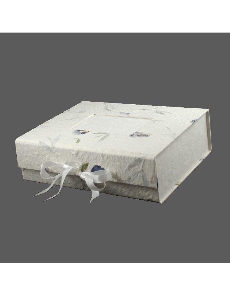 Memory keepsakebox with photoframe.