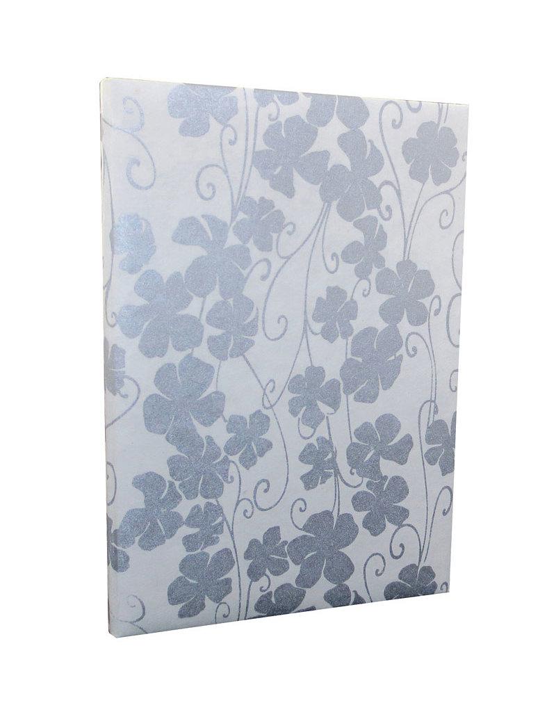 Gaestebuch mit Blumenmuster in Silber