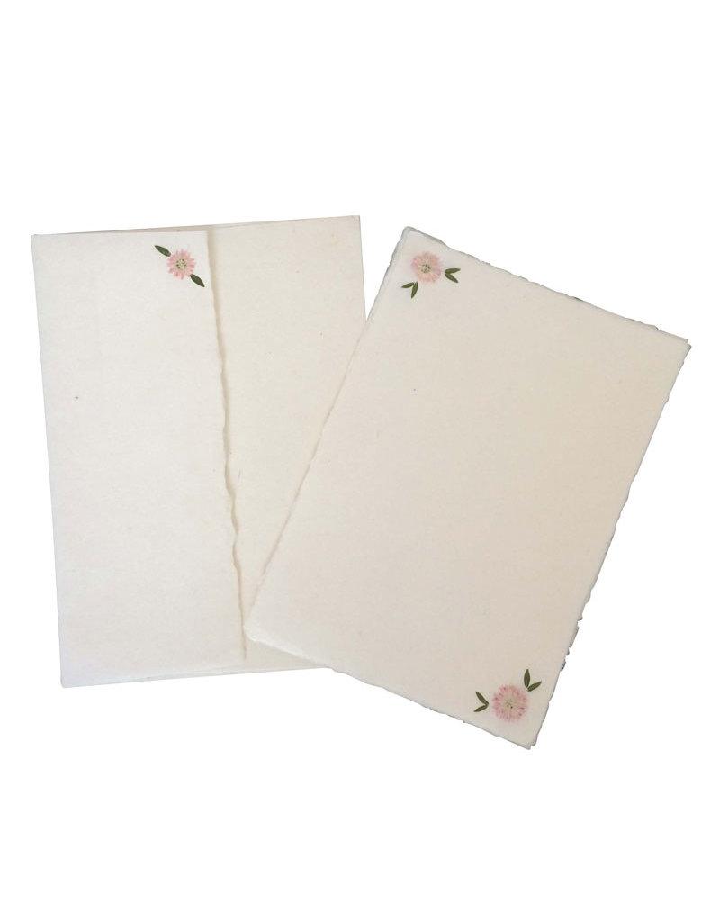 Ensemble de 5 cartes et 5 enveloppes avec des fleurs