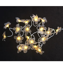 TH068 string light skeletonleaves