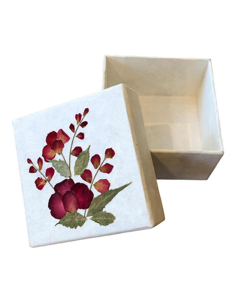 Box of mulberry paper with a flower decoration