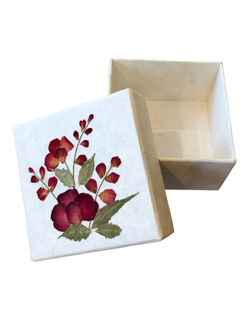 Schachtel Maulbeerpapier mit einer Blumendekoration