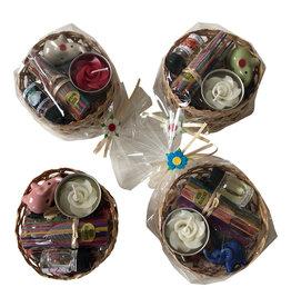 TH094 panier avec fleurs séchées et encens
