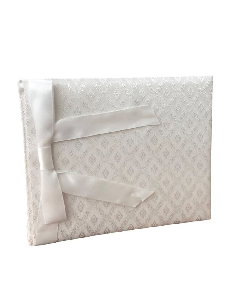 Album with satin cover and bow
