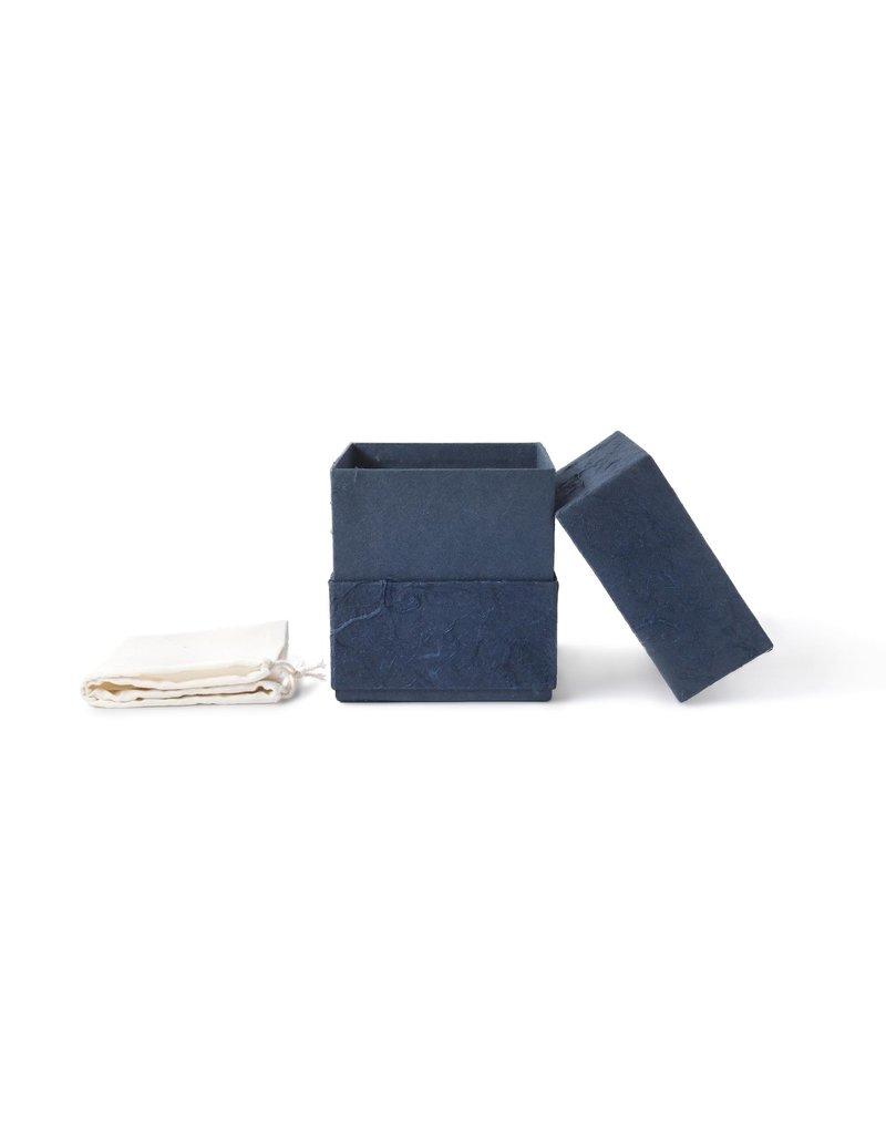 Olino  Eco urn  donkerblauw bekleed met natuurpapier