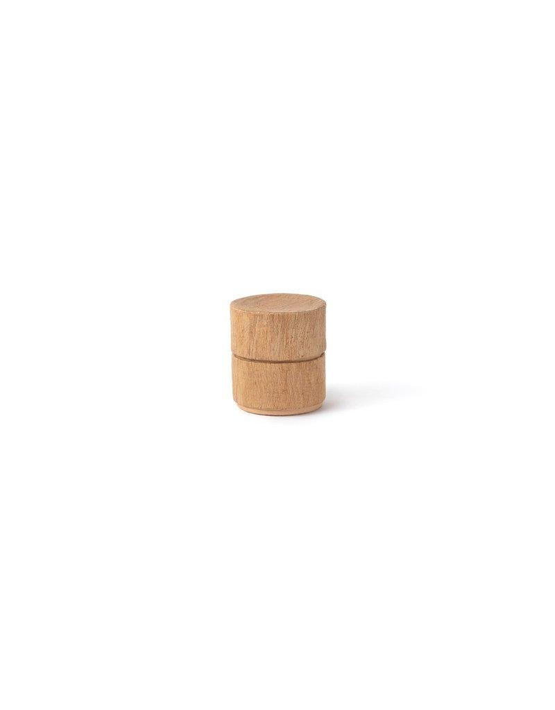 . Urne biodégradable, recouverte d'écorce de mûrier