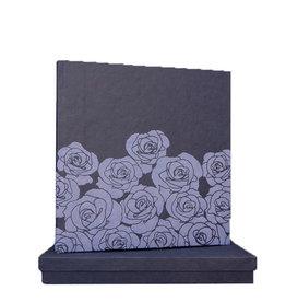 TH106 Gastenboek embossed rozen in doos
