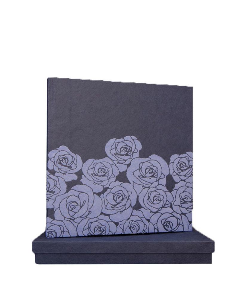 Gastenboek embossed rozen in doos