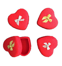 . TH762 Set of 4 heart shaped boxes