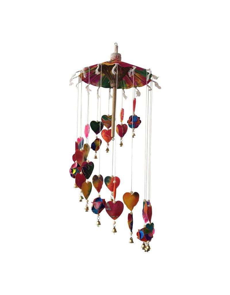 Mobile kleurrijke hartjes