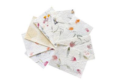 Papier de mûrier, estampes, fleurs, fibres