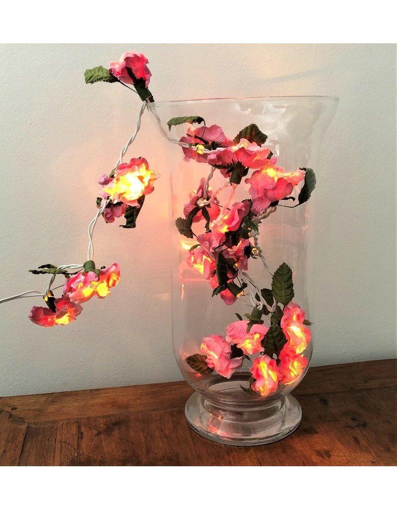 Lichtslinger van papieren bloemen