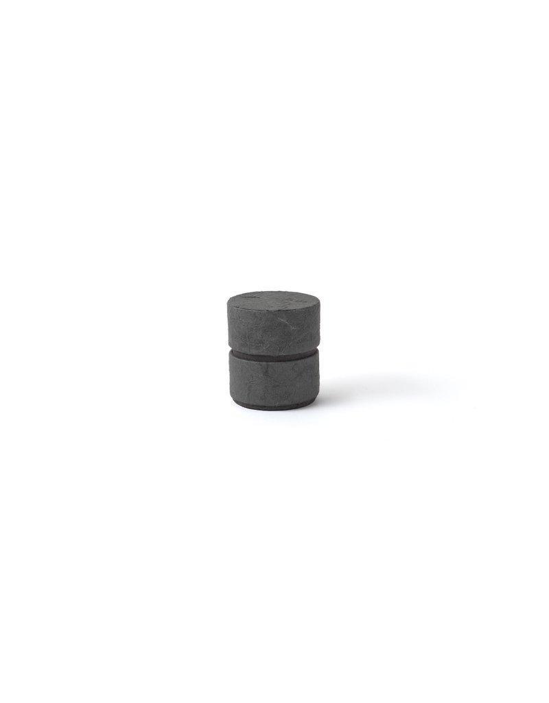 . Mini urne écologique en forme de cylindre