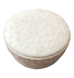 TH261 Round box with hearts print