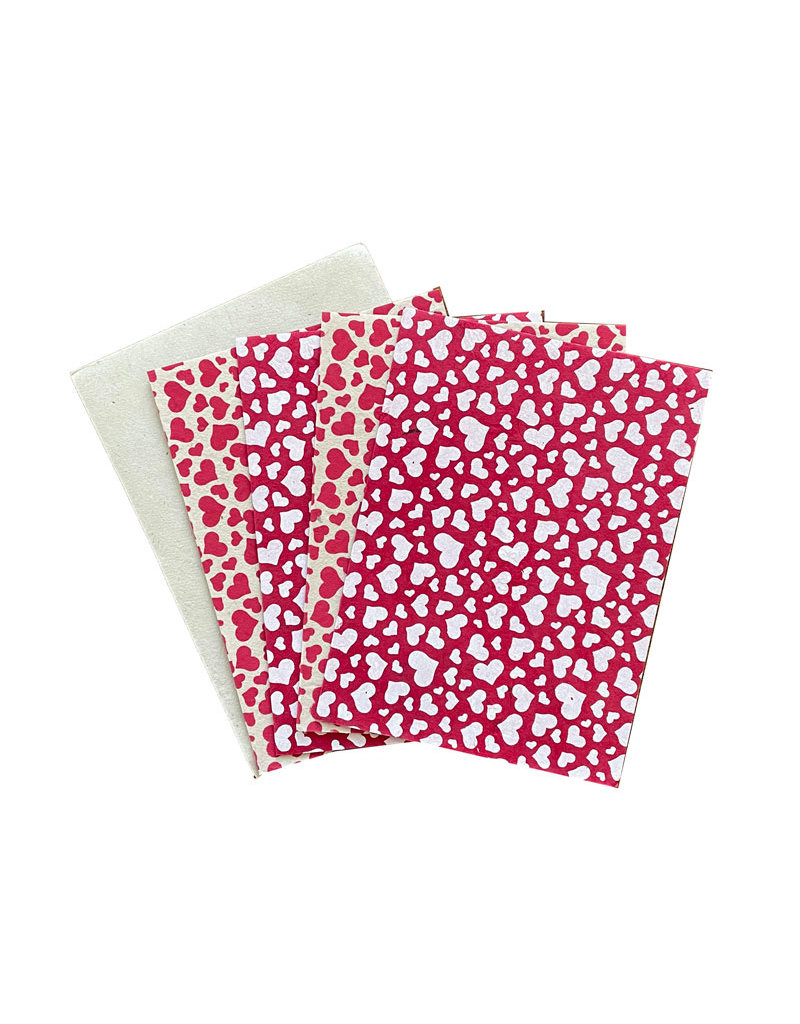 Set of 4  cards/ env.  with hearts print