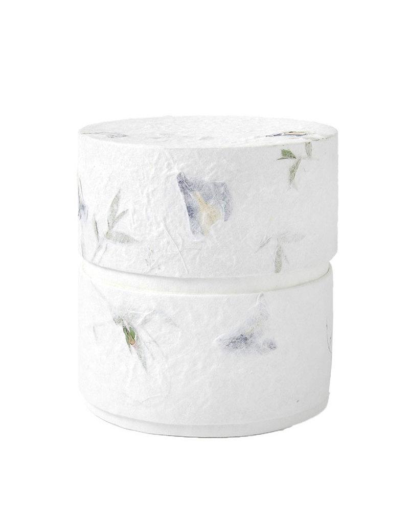 . Eco Urne mit Naturpapier mit Blumen bedeckt