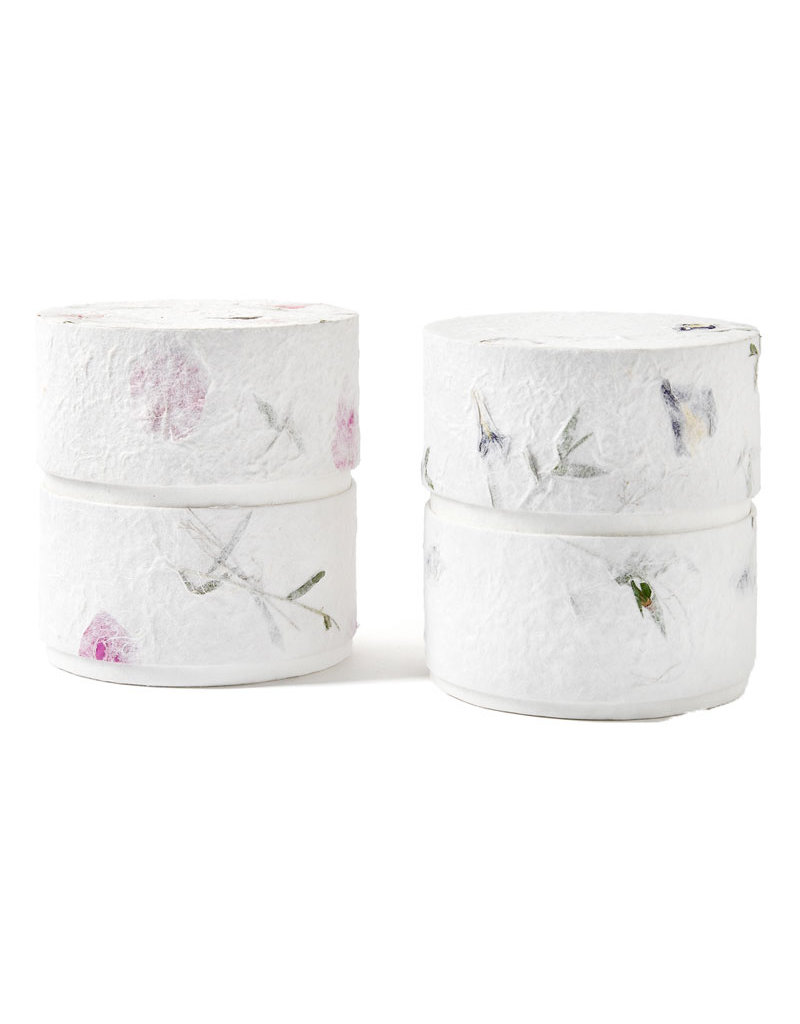. Eco urn  bekleed met natuurpapier met bloemen