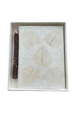 Carnet de notes papier murier, boîte et crayon