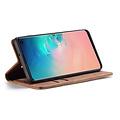 CaseMe CaseMe - Samsung Galaxy S10 hoesje - Wallet Book Case - Magneetsluiting - Licht Bruin