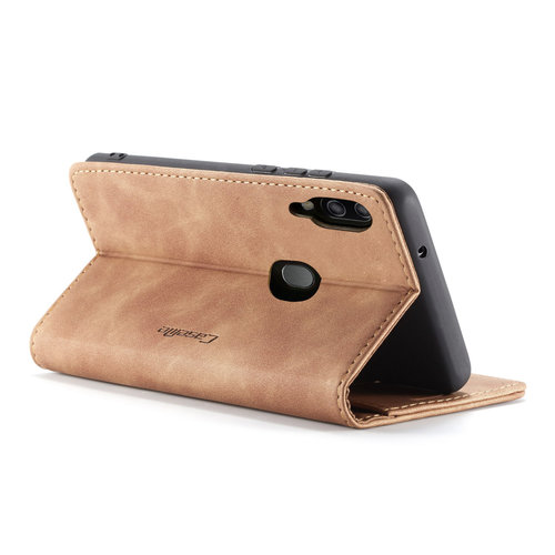 CaseMe CaseMe - Samsung Galaxy A20e hoesje - Wallet Book Case - Magneetsluiting - Licht Bruin
