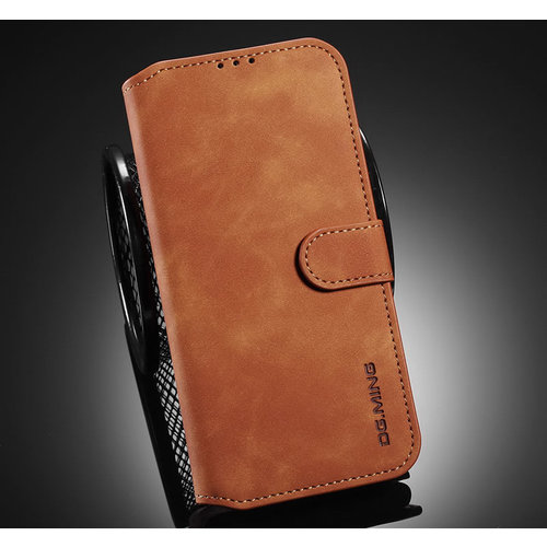 CaseMe CaseMe - Samsung Galaxy A12 Hoesje - Magnetisch 2 in 1 Case - Ming Serie - Leren Back Cover - Licht Bruin
