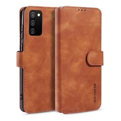 CaseMe - Samsung Galaxy A02s Hoesje - Met Magnetische Sluiting - Ming Serie - Leren Book Case - Licht Bruin