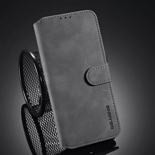 CaseMe CaseMe - iPhone 12 Mini Hoesje - Met Magnetische Sluiting - Ming Serie - Leren Book Case - Grijs