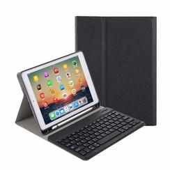 Case2go - Bluetooth toetsenbord Tablet hoes geschikt voor iPad 2021 - 10.2 Inch - Keyboard Case met Stylus Pen Houder - Zwart