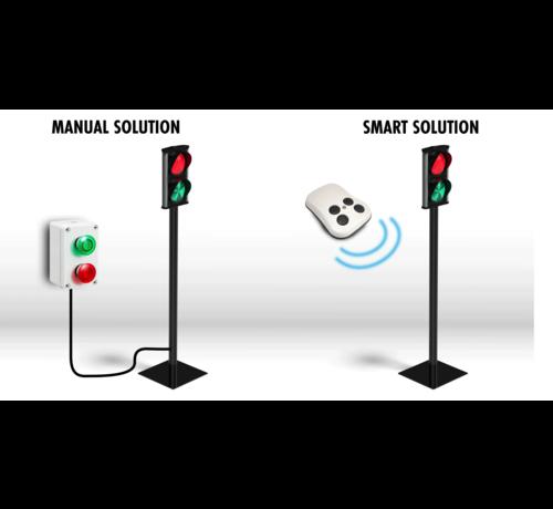 BOS Verkeerslicht voor toegang winkels en warenhuizen. met draadloze afstandsbediening. Iedere keer u op de knop drukt verandert het licht van rood naar groen.