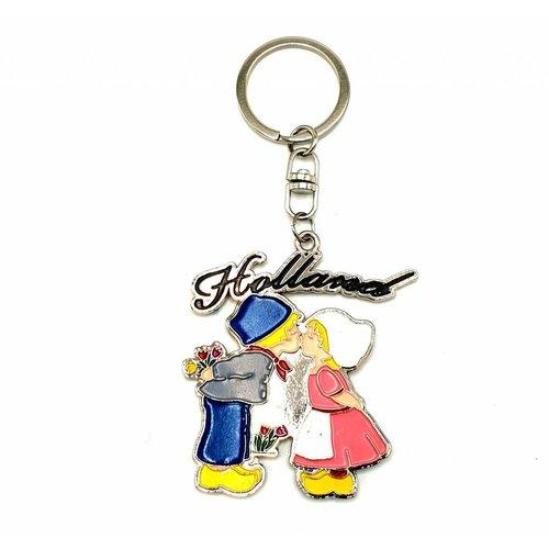 Keyhanger Kissing couple