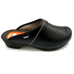 DAAN Leather clogs Black