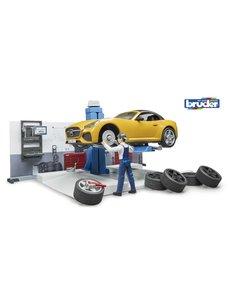 Bruder 62110 - Autowerkplaats met auto en monteur