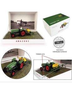 Universal Hobbies Universal Hobbies 6201 Fendt Farmer 2 met Amazone S300