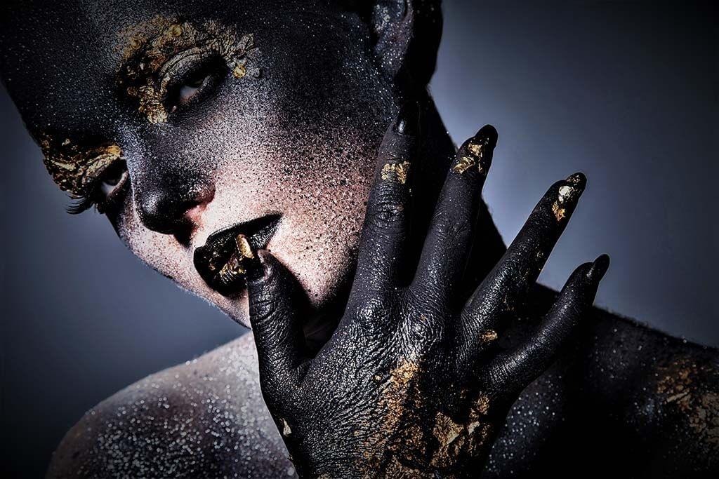 Artistic woman-1