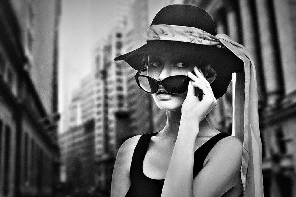 Woman with hat-1