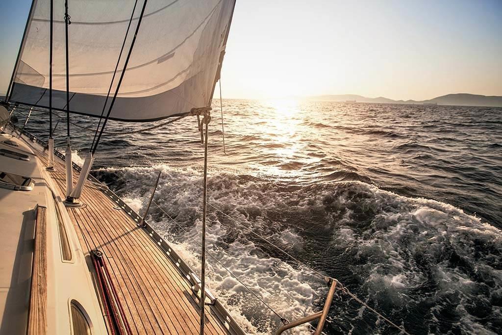 Sailing yacht-1
