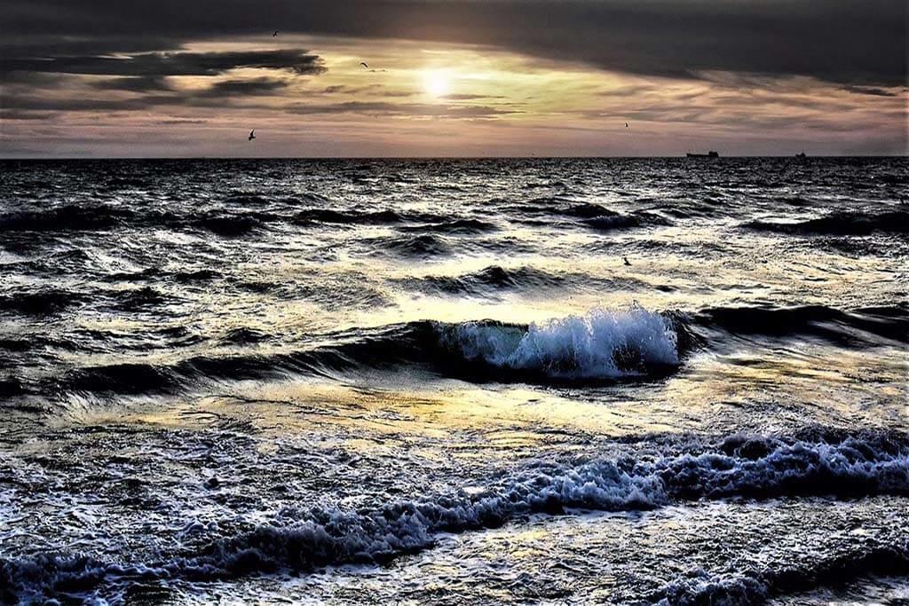 Dark Sea-1
