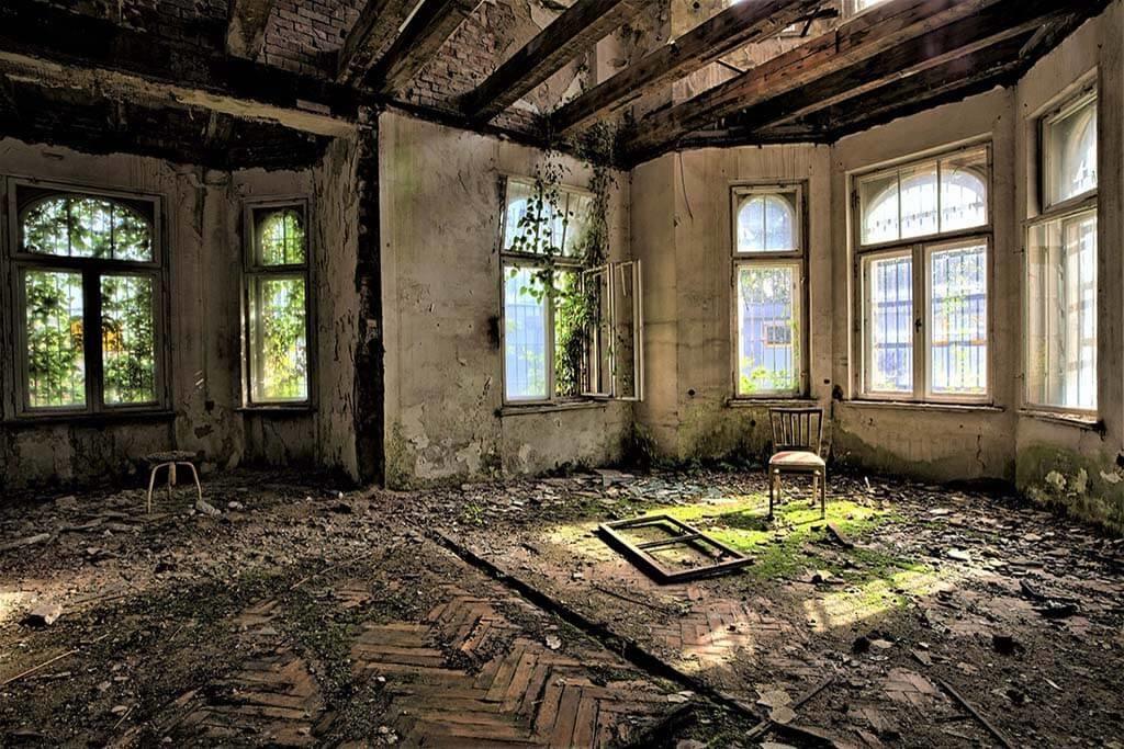 Abandoned house-1