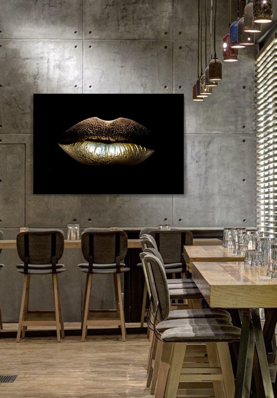 Golden lips-2