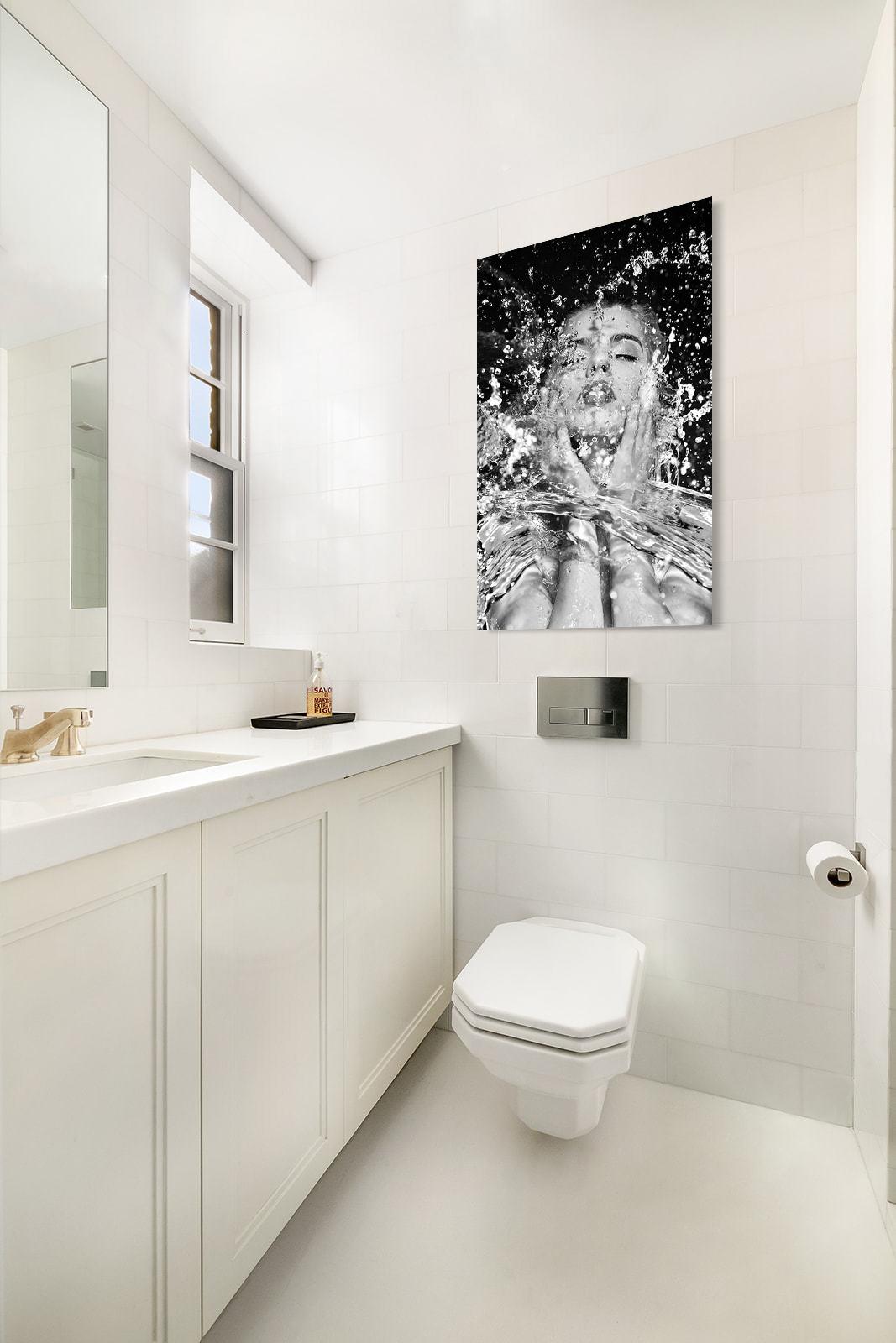 Splashing face black and white-3