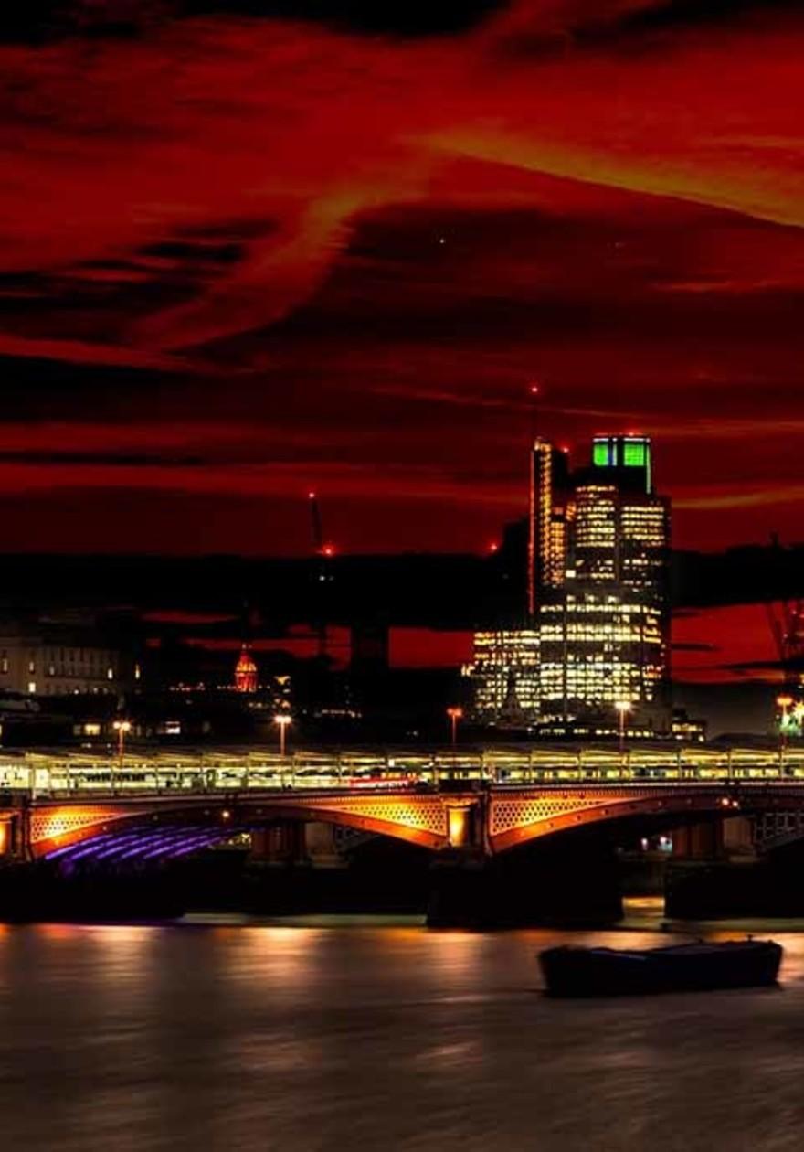 London by night St. Pauls cathetral