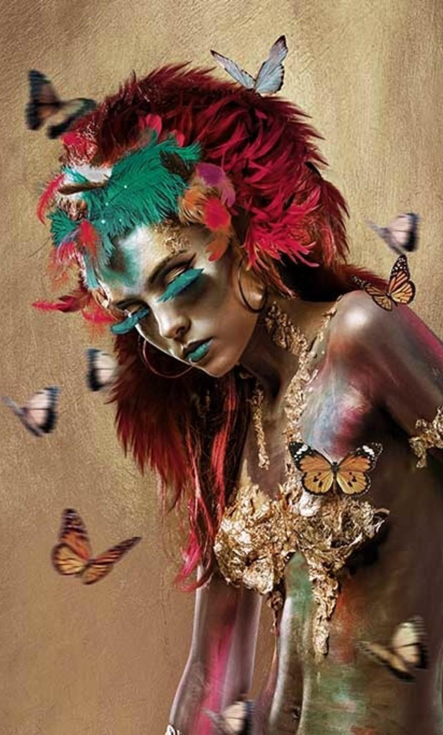 Mariposa woman