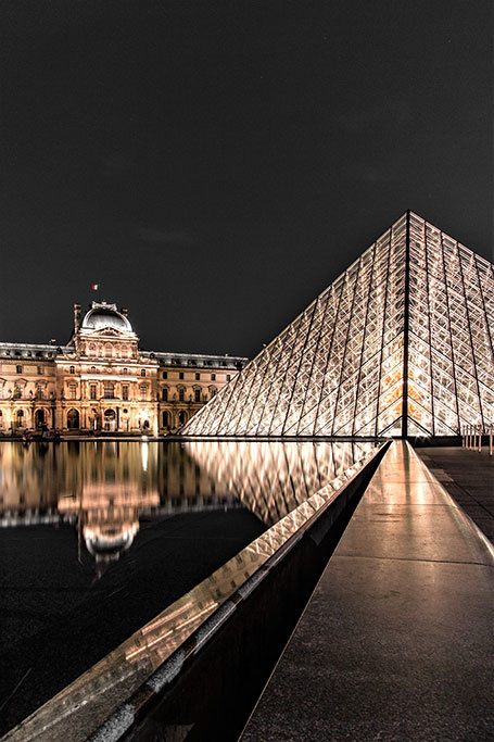 Louvre by night-1