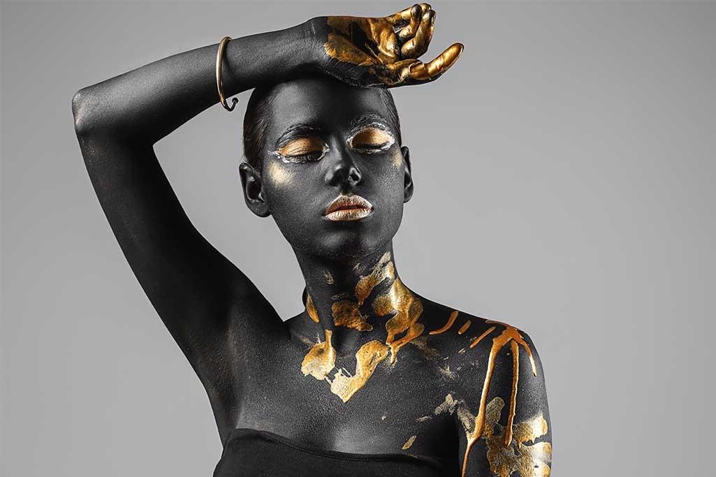 Calm golden woman-1