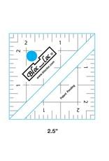 Bloc Loc Half Square Triangle Ruler - 2,5 x 2,5 inch