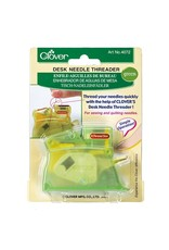 Clover Desk Needle Threader - Groen