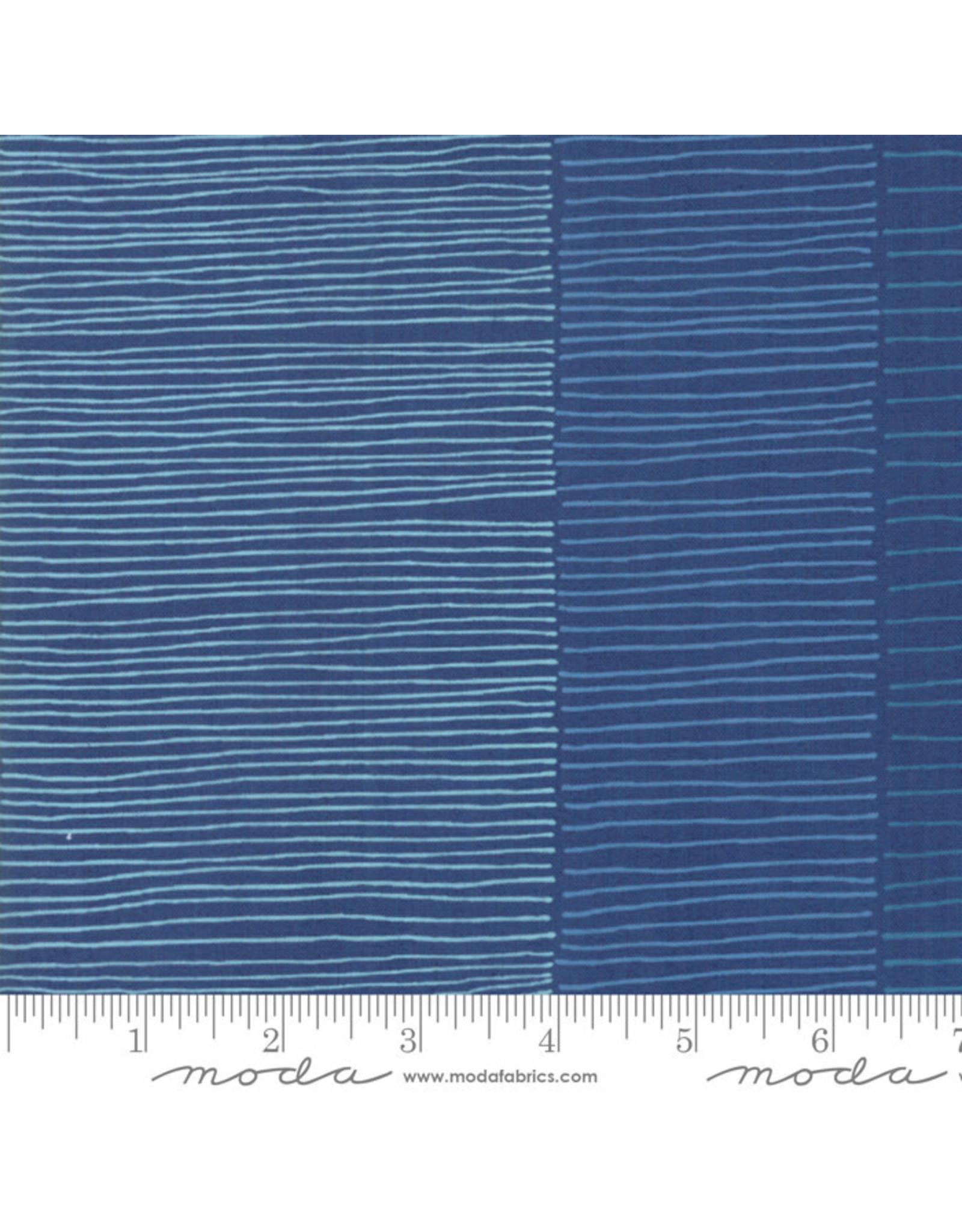 Moda Breeze - Fire Lines Dark Blue coupon (± 22 x 110 cm)
