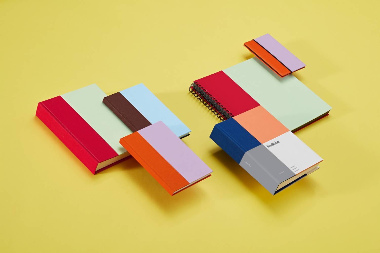 SEMIKOLON™<br> Créez vos propres souvenirs <br><br>Les albums photos Semikolon sont fabriqués dans des materiaux de qualité avec un design novateur. <br>Ils vous permettront d'immortaliser vos plus beaux souvenirs.