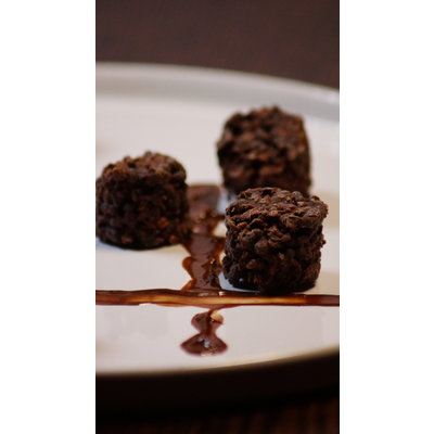 Shape Essentials Dark chocolate bites