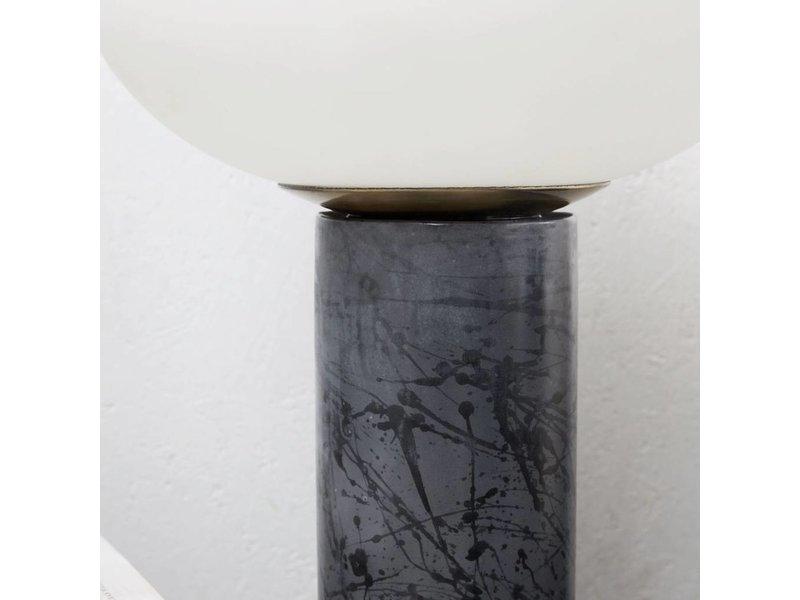 House Doctor Opal tafellamp grijs keramiek met glazen kap